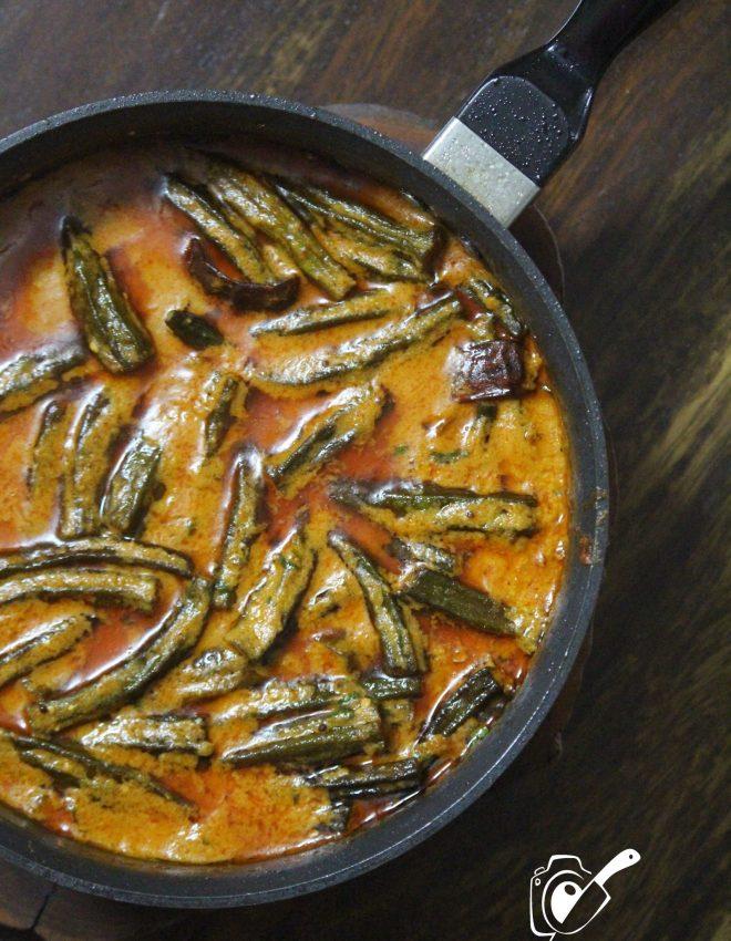 Dahiwali Bhindi (Bhindi Dahiwali)(Okra Simmered in Spicy and Tangy Yogurt Gravy)